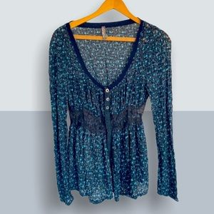 FREE PEOPLE Cottage Core Calico Lace Scoop Shirt